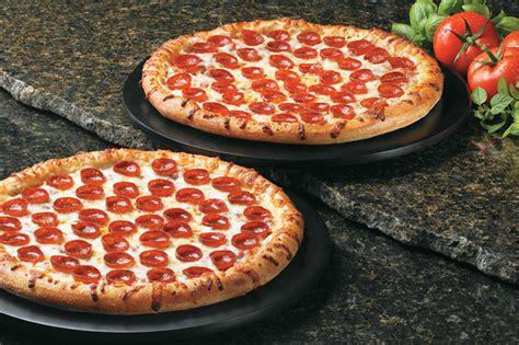 jeff bezos's leadership style two pizzas
